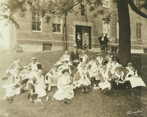 Class of 1910 at their 11th reunion