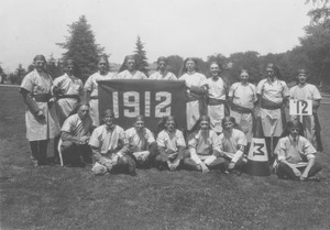 Class of 1912 holding banner at 11th reunion