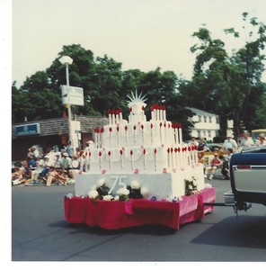 Diamond Anniversary Cake float from the Town of Plainville 75th Anniversary Diamond Jubilee parade