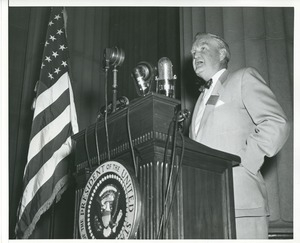 Bruce Barton gives a speech at the 1953 President's Trophy award ceremony