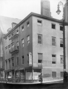 View of the corner of Somerset Street and Howard Street, Boston, Mass., 1912