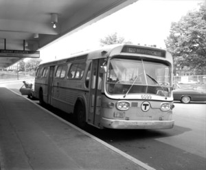 Bus 6099 '120', Orient Heights Station