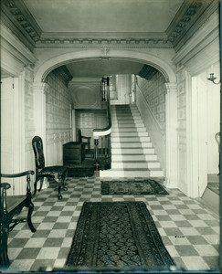 Wentworth-Gardner, lower hall