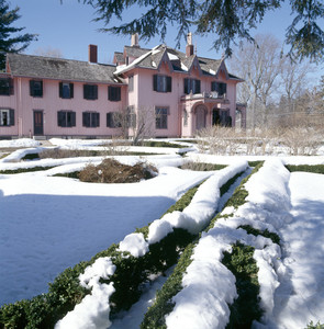 View of exterior in snow, Roseland Cottage, Woodstock, Conn.