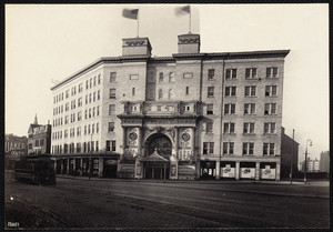 Exterior view of Castle Square Theatre and Hotel, 421 Tremont St., Boston, Mass., January 1, 1902