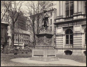 Benjamin Franklin statue, School St., Boston, Mass., April 25,1904