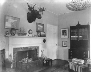 Bellas House, Wiscasset, Me., library