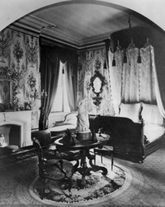 Interior view of the Gardner Brewer House, bedroom, 29 Beacon St., Boston, Mass., undated