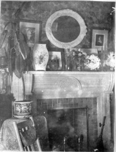 26 Lincoln Ave., Norwich, Conn., Parlor.