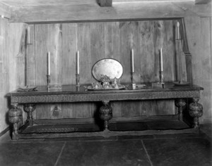Interior view of the John Lawrence House, refectory table, 76 Campmeeting Road, Topsfield, Mass., undated