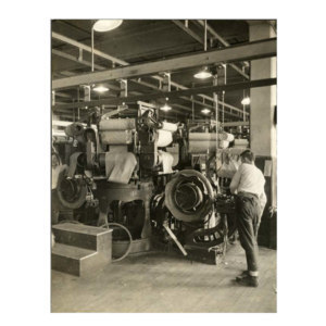 Operating a tire-building machine