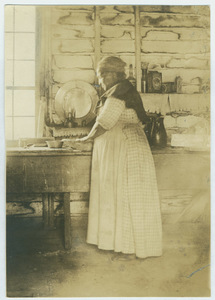 Black woman working in an Alabama kitchen