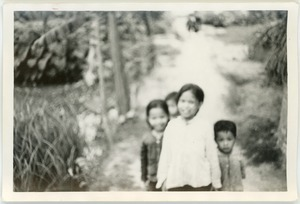 Children on village path, Thái Bình province