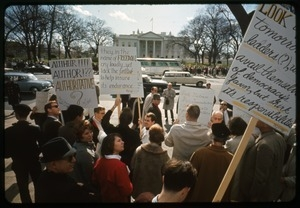 Antiwar protesters outside the White House: Washington Vietnam March for Peace