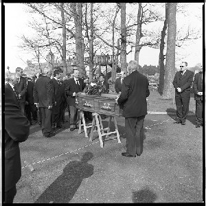 Funeral of Harold Gracey, who was the leading Orangeman during the years of the Drumcree, Co. Armagh protests, including scenes from the time the funeral left the house until it arrived at the church