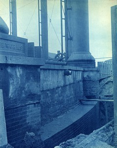 New masonry for outside wall of gas holder at Commercial Point Station