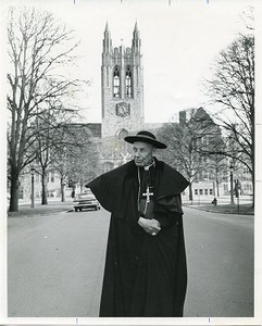 Bea, Augustin in front of Gasson Hall