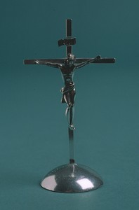 Automobile crucifix