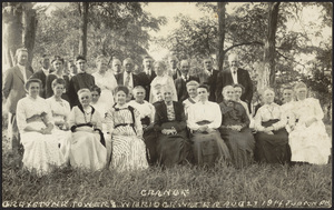 Grange picture 1914 showing members on lawn