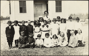Coed class picture Cochesett School, West Center Street