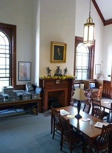 Clapp Memorial Library: reading room with fireplace