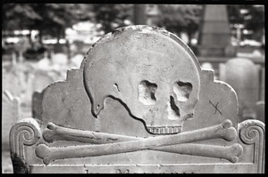 Gravestone of Elizabeth Hurd (1779), Granary Burying Ground: close-up of skull motif