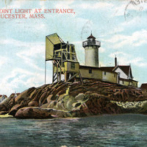 Eastern Point Light at entrance, Gloucester, Mass.