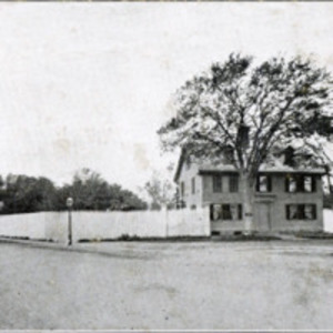 Aunt Mary Breed House, Breed's Square