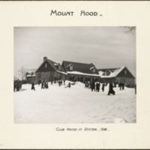 Mount Hood : clubhouse in winter