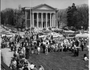 Commencement Picnic on Baxter Lawn, 1958