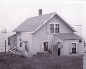 'Skinner Cottage'--tramway