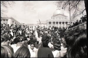 Demonstration on steps of the Massachusetts State House following the assassination of Martin Luther King: crowd gathered on the steps