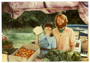 Grace Gershuny and Stewart Hoyt at a farmers market in St. Johnsbury, Vt.