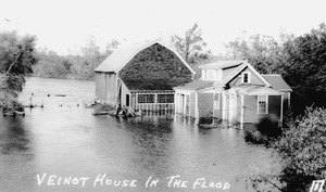 Veinot house in the flood