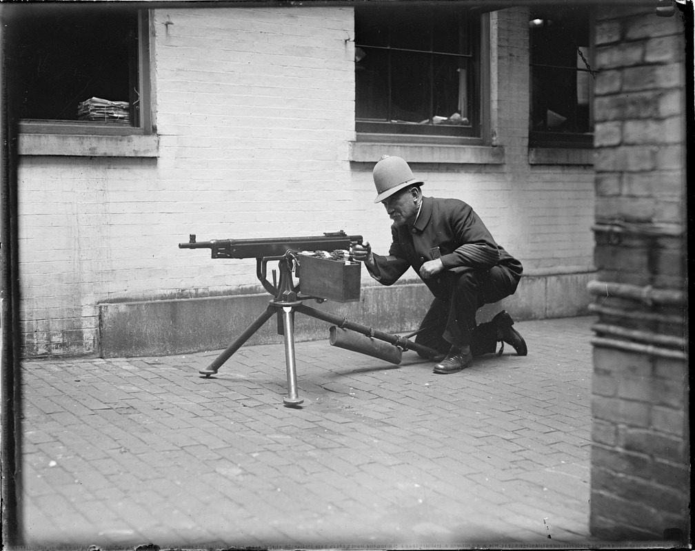 """With the latest guns, Boston police will fear nothing. The """"Reds"""" will be met severely in case the start anything."""