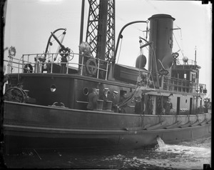 Diver on fireboat 44