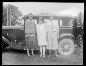 Lill, Tootsie, and Les, New London, New Hampshire