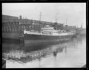 SS Nova Scotia docked in Charlestown