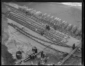 Ropes and chains - shipyard for ships