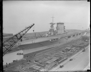USS Lexington enters South Boston drydock