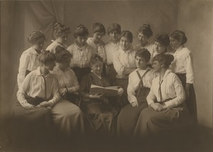 Bridgewater Normal School K.P. 1 (Kindergarten-Primary) Class, 1915
