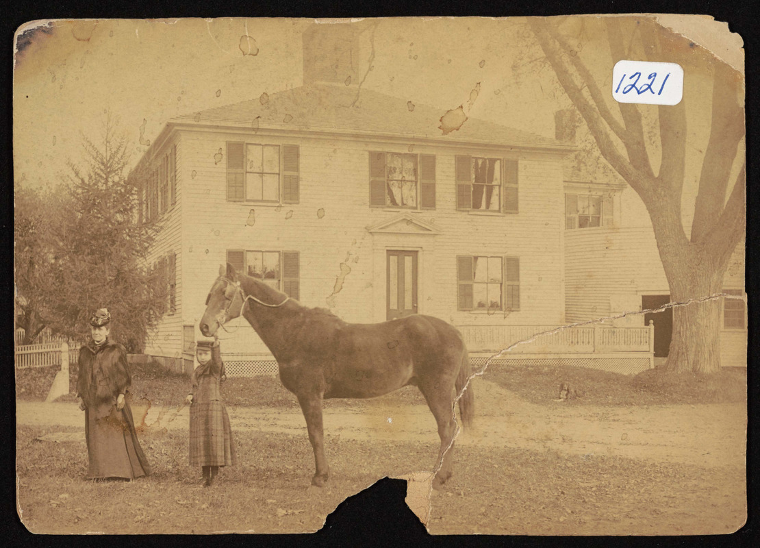 Mrs. Nell Stone and daughter, Hamilton, Mass, Daniel Stone house