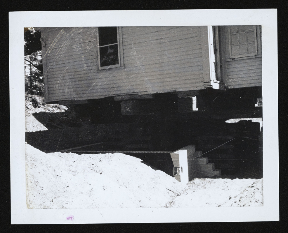 Big timber under house to carry it up hill, 588 Bay Road, Felton's