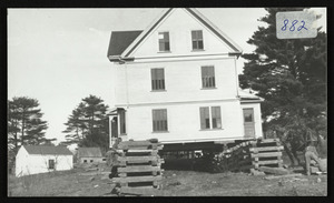 103 Cutler Rd., being moved from Meyer Estate on Rock Maple Ave., 1915