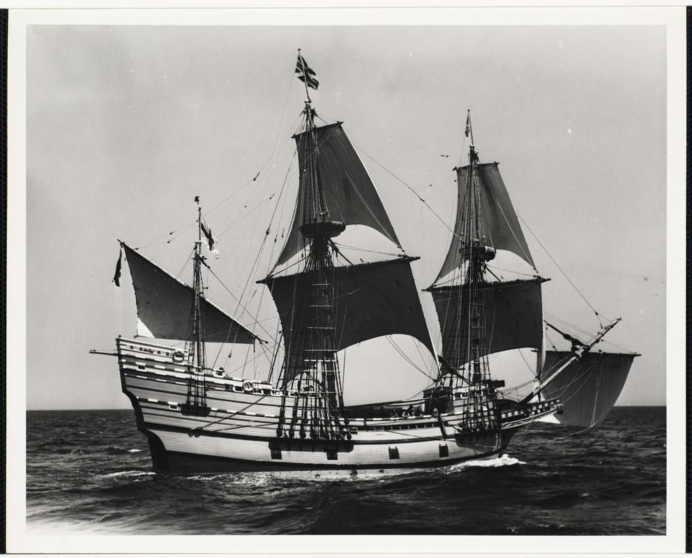 Mayflower II on way to Plymouth