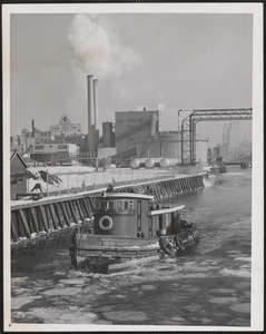 The Henry Maurer heads down Broad Canal in Camb. for icebreaking
