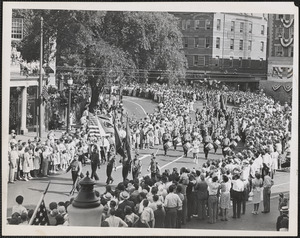 Cambridge's centennial parade