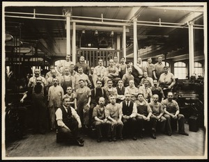 W. 9 mill, weaving. Group of loom fixers