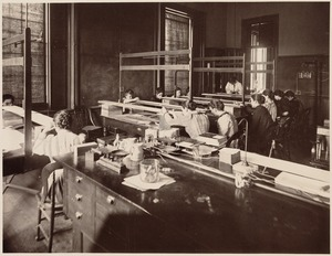 Girls' Latin School, Boston - interior. Laboratory exercise in physics - determination of the focal distance of a convex lens