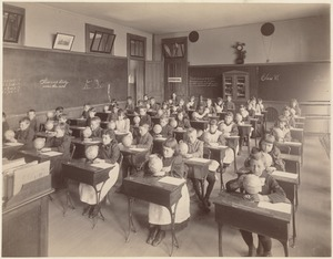 George Putnam School - interior - 6th class